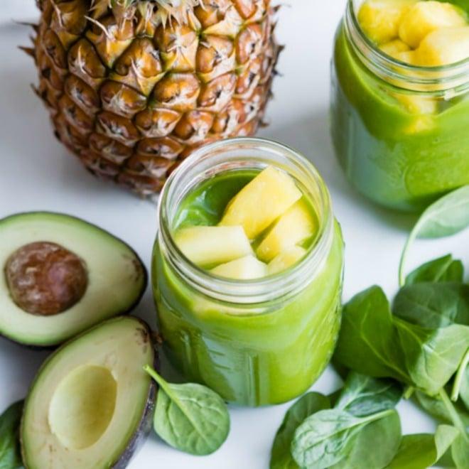 zelené smoothie s ananásom