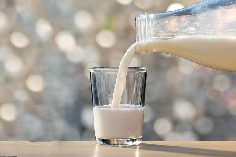 mandľové smoothie a mlieko